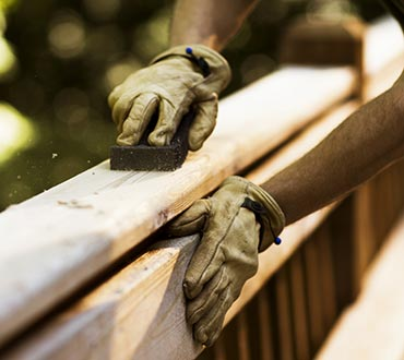 deck-sanding-by-hand